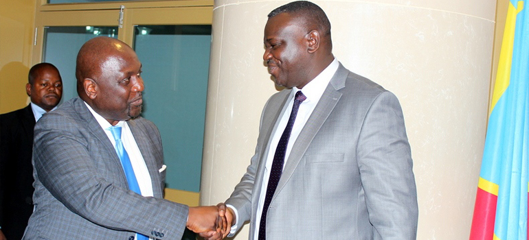 Plan National du Numérique : un exemplaire du draft 0 remis au Ministre des PTNTIC